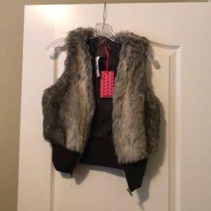 Brown faux fur vest, NWT!